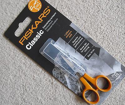 FISKARS 1005143 Scissors - 10cm Classic Embroidery - Right Or Left Handed Use