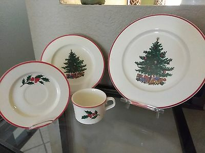Christmas dinnerware  Vintage Taylor Smith Taylor Holly & Spruce 32 pieces