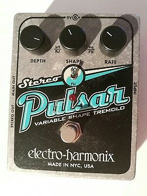 Electro Harmonix Stereo Pulsar  Analog Tremolo Guitar Effects Pedal Used