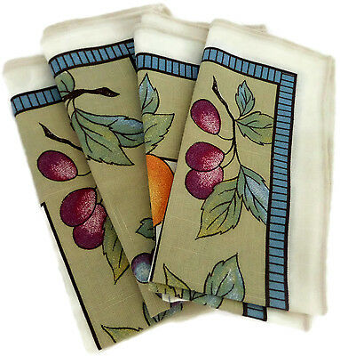 Set of 4 Cloth Napkins With Grapes Pears Fruit Pattern
