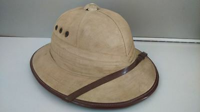 Old colonial hat. ancien chapeau coloniale