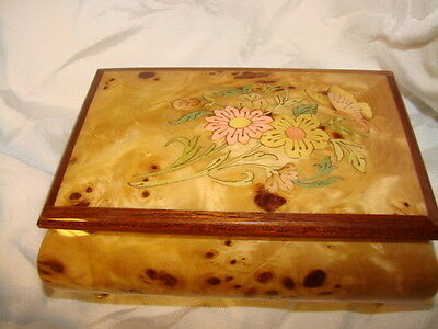 """Vintage Mayflower LORRENTO Made in Italy Jewelry box with music """"Isle of Capri"""""""