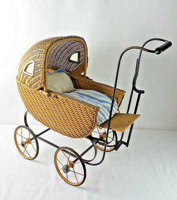 1920s LLOYD LOOM PRODUCTS Baby Doll Carriage Stroller Wicker Brake