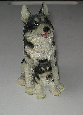 Alaskan Malamute Sitting Figurine Mother And Puppy