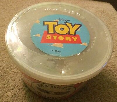 Toy Story Bucket O Soldiers Sealed New!! 72 Soldiers Plus 2 With Parachutes!!
