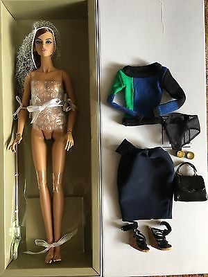 Fashion Royalty - Fréja Mossimo - Perfect Layout - LE 350  VHTF - Doll + fashion