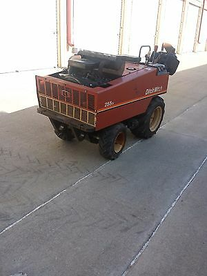 Ditch Witch 255sx, pull behind, cable plow, vibratory plow, irrigation, 385 hrs