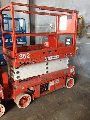19' Snorkel Electric Scissor Lift
