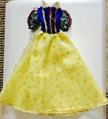 Disney Store Snow White Dress for Dolls, limited edition 2004