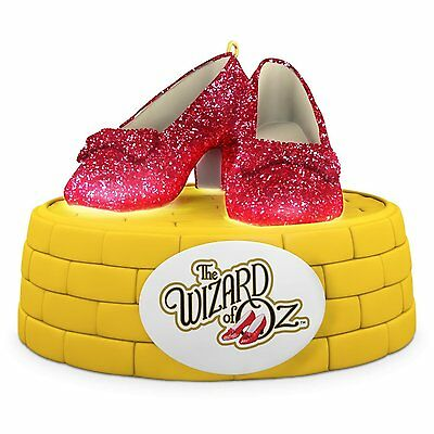 Hallmark 2016 Christmas Ornament THE WIZARD OF OZ RUBY SLIPPERS Ornament With Li