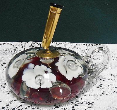St. Clair ? Vtg Paperweight Pen Holder White & Red Flowers Bubbles Finger Loop