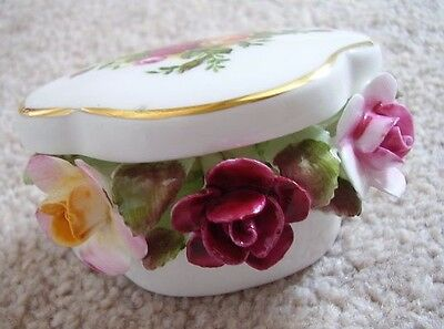 Royal Albert England Porcelain vase-trinket box with flowers,Old country Roses
