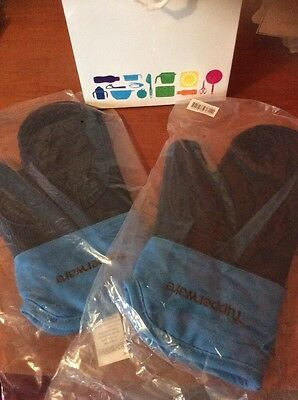 Tupperware Silicone Oven Gloves X 2  Brand New