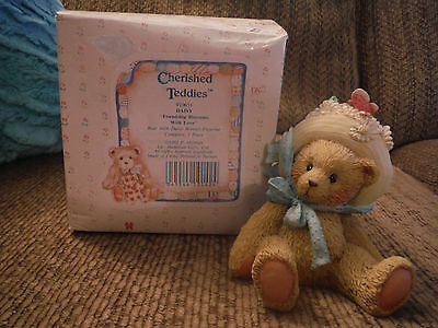 1992 FRIENDSHIP BLOSSOMS WITH LOVE Cherished Teddies, Daisy 910651