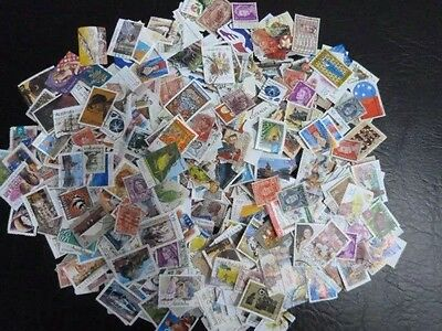 200 Used Australian stamps Off Paper• Most Different•excellent Condition