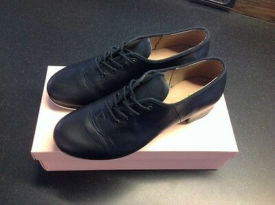Bloch Ladies Jazz Tap Shoes, Black, Size 9. Hardly Worn.