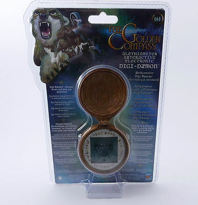 THE GOLDEN COMPASS ALETHIOMETER Interactive Electronic Digi-Daemon LCD Spiel