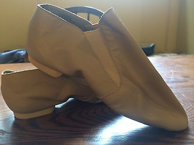 New - Capezio Cad05 Split Sole Gore Boot - Size 8 - Caramel