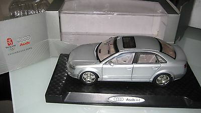 Audi A4 2.0T 2008 Silber 1:18 FAW  OVP