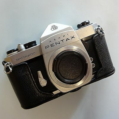 Asahi Pentax  Spotmatic Sp 35Mm Slr With Original Leather Cover And Book