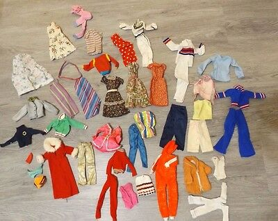 BARBIE And Friends CLOTHES LOT