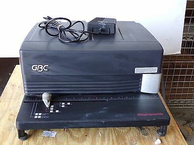 GBC Magnapunch 7703201 Binding Punch with 4:1 Comb Die