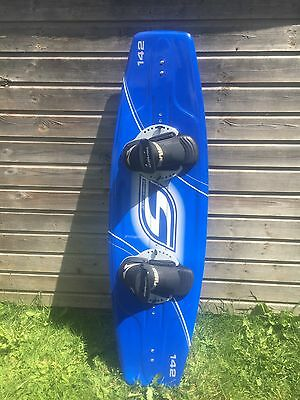 Stinger 142 Wakeboard With Obrien Bindings