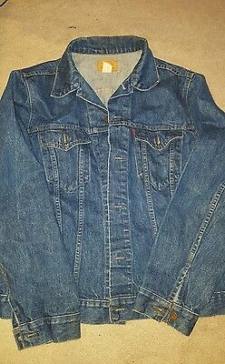 Levi's men jean jacket size 44