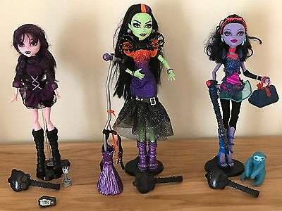 Monster High Doll Bundle Plus Accessories,