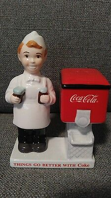 NEW Enesco 1999 Coca Cola Diner Salt And Pepper Shaker Red and White