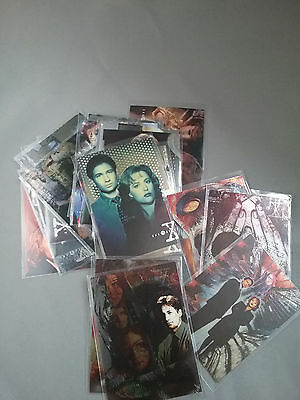 Topps X files chase cards various series 18 cards in Lot