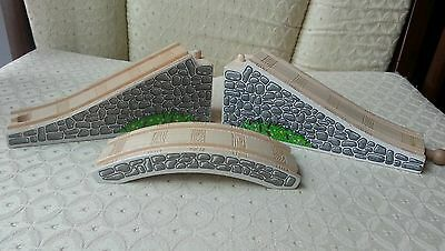 2002 Retired Thomas Wooden Railway 3-pc Arched Stone Bridge Overpass Tunnel