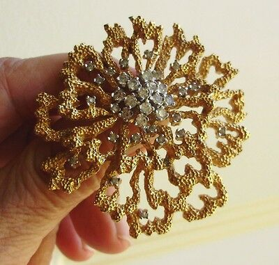 LOVELY SIGNED PANETTA PIN/BROOCH TEXTURED GOLD TONE w/CLEAR RHINESTONE CLUSTER