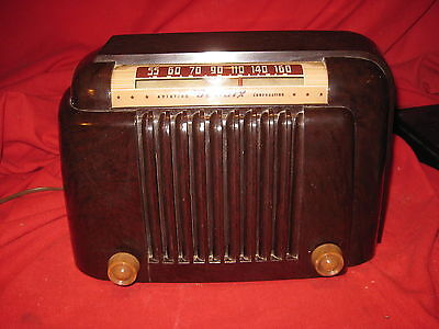 Vintage 1946 Bendix 526A Tube AM Radio