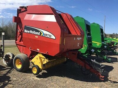 2005 New Holland BR750A Round Balers