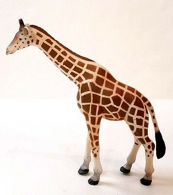 MOJO Giraffe Female Model Animal Figurine Toy Replica 2010