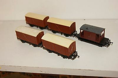 TT gauge 3mm GOOD/EXCELLENT 5x Triang Wagon Fruit Van in Brown and Brakevan