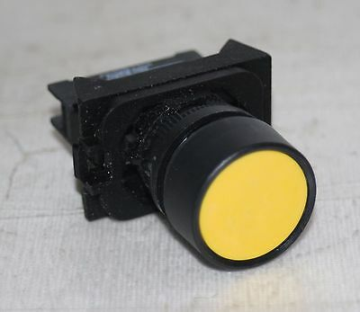 Momentary Push Button Switch Yellow Allen-Bradley 800E-3X10 SER.A