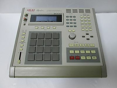 Akai MPC 3000 sequencer,sampler in GREAT CONDITION Worldwide!