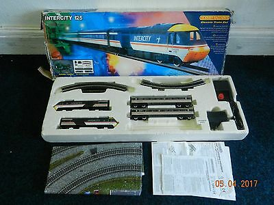 Hornby Intercity 125 HST R901 00 Gauge Train Set.