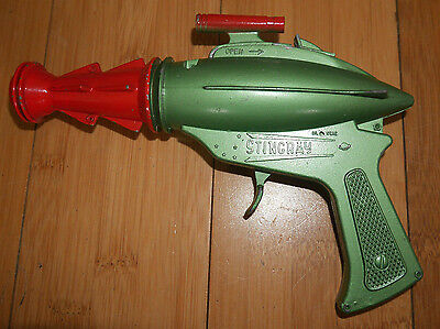 LONE STAR DCMT GERRY ANDERSON'S STINGRAY DIECAST RAY GUN RARE 1960's VINTAGE 383