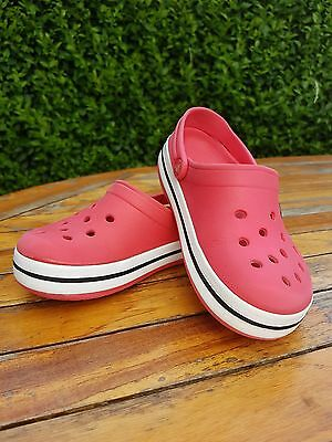 Childs Crocs shoe size 10/11 Red