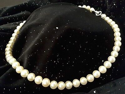 AAA+ cultured pearl necklace with white gold and diamonds