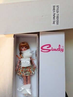 """Tonner Sindy Doll, """"Sindy's Perfect Day"""", complete, with box and shipper"""