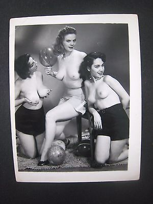 ORIG. 1950S 5X4 PInup Photo..Busty Beauty '.,RISQUE,NUDE..# 569-47
