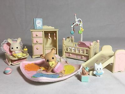 Calico critters/sylvanian families Nursery furniture With 2 Babies & Toys