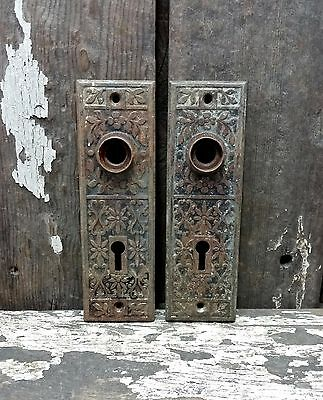 2 VTG Old Small SHABBY Vine Metal Fancy EASTLAKE Keyhole Door Knob Backplate