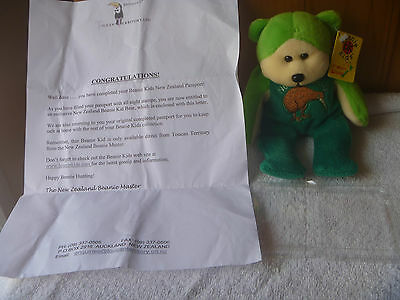 BEANIE KID RARE  - Zealy the New Zealand Bear - Include passport, just found it.
