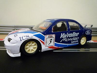 Scalextric C692 Ford Cosworth Mondeo (Non Digital)