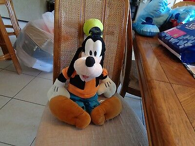 "Authentic Walt Disney Parks JUMBO GOOFY  23"" Stuffed Animal Plush"